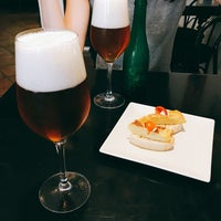 Foto tomada en Bar La Fontana por Sooyong L. el 9/6/2017