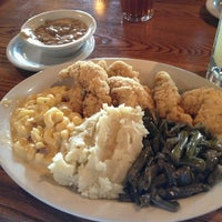 Photo taken at Cracker Barrel Old Country Store by Rachael P. on 7/29/2013