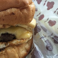 Foto tirada no(a) Pocket Burger por Thiago M. em 12/10/2015