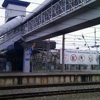 Photo taken at KTM Line - Sungai Buloh Station (KA08) by Ng Cheow Kwang on 9/28/2012