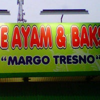 Photo taken at Mie Ayam & Bakso 'Margo Tresno' by Niko d. on 6/21/2013