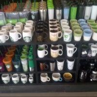 9/12/2013 tarihinde tarik s.ziyaretçi tarafından Starbucks'de çekilen fotoğraf