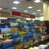 Photo taken at Barnes & Noble by Ahrang Y. on 10/26/2012