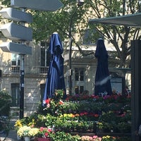 Photo taken at Monceau Fleurs Malesherbes by Renaud F. on 4/21/2017