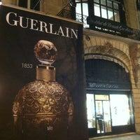 รูปภาพถ่ายที่ Guerlain โดย Renaud F. เมื่อ 2/22/2013