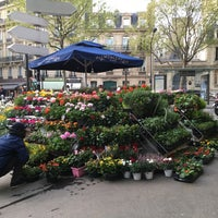 Photo taken at Monceau Fleurs Malesherbes by Renaud F. on 4/5/2017