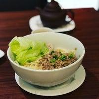 Photo taken at Ying Ker Lou (迎客楼) by Patrick L. on 11/21/2017