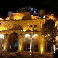 Das Foto wurde bei Şehzadebaşı Camii von Ercan A. am 7/23/2013 aufgenommen