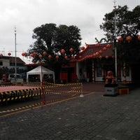 "Photo taken at Klenteng ""Hok Sian Kong"", Mojokerto by Setya E. on 1/30/2014"