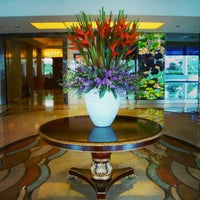 Photo taken at Shanghai Int'l Equatorial Hotel | 上海国际贵都大饭店 by Jeremy S. on 8/7/2013