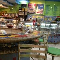 Foto tirada no(a) Restaurante e Confeitaria Lopes por osvaldo em 4/23/2013
