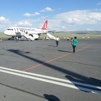 7/21/2013 tarihinde Uğur ö.ziyaretçi tarafından Kars Harakani Havalimanı (KSY)'de çekilen fotoğraf