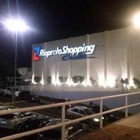 Foto tirada no(a) Rio Preto Shopping Center por Matheus Henrique S. em 3/22/2013