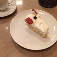 6/11/2015 tarihinde Kholoodziyaretçi tarafından L'ETO Caffè'de çekilen fotoğraf
