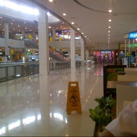 Photo taken at Solo Paragon Mall by georgia l. on 6/10/2013