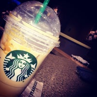 Photo taken at Starbucks by Jobina 🍹 N. on 2/9/2015