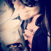 Photo taken at Starbucks by Jobina 🍹 N. on 9/25/2014