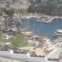 4/4/2013 tarihinde Murat A.ziyaretçi tarafından Yat Limanı'de çekilen fotoğraf
