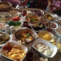 6/9/2013 tarihinde Nurcanziyaretçi tarafından Şömine Cafe'de çekilen fotoğraf