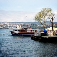 Foto tirada no(a) Yeniköy Sahili por 👑 ALBAYRAK 👑 em 4/21/2013