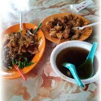 Photo taken at Tip-Top Ikan Bakar by Adzaki M. on 10/31/2012