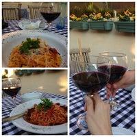 6/18/2013 tarihinde Gül A.ziyaretçi tarafından Cucina Makkarna'de çekilen fotoğraf
