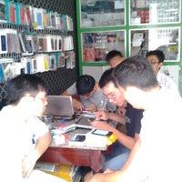 Photo taken at Phụ kiện dế yêu by Bergkamp T. on 10/6/2013
