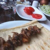 4/15/2013 tarihinde Ceyhun K.ziyaretçi tarafından Palandöken Cemal Usta Cağ Kebabı'de çekilen fotoğraf