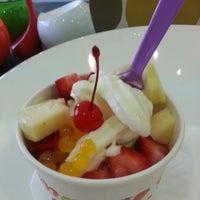 Photo taken at Mango Cup Frozen Yogurt by Amy W. on 4/28/2013