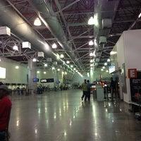 Photo taken at Aeroporto Internacional de São Luís / Marechal Cunha Machado (SLZ) by Thamirys D. on 4/9/2013