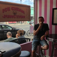 Foto tirada no(a) Ice Cream Junction por Sandra A. em 9/1/2013