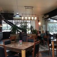 1/13/2013 tarihinde Bora B.ziyaretçi tarafından Kirpi Cafe & Restaurant'de çekilen fotoğraf