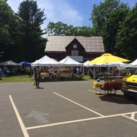 Photo taken at Hamden - Downtown Farmers' Market by Bruno S. on 6/20/2014