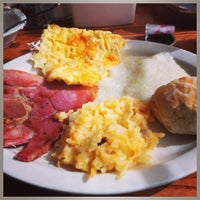 Photo taken at Cracker Barrel Old Country Store by LaTresa H. on 6/10/2013