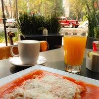 Photo taken at Café del Parque by Jp F. on 4/28/2013