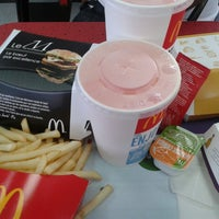Photo taken at McDonald's by ★♣♧☆Koby☆♧★♣ on 3/23/2013