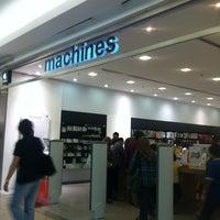Photo taken at Machines by Jasmin M. on 3/23/2013