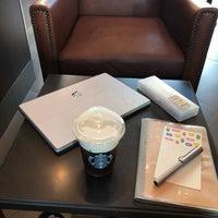 Photo taken at Starbucks by Mattajung S. on 9/27/2018