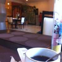 Photo taken at Coffee Shop Sunhotel by noor'azzah a. on 10/21/2013