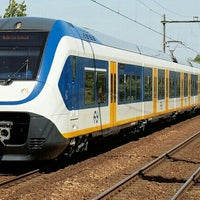 Photo taken at Intercity Schiphol - Den Haag Centraal by Marijn v. on 5/9/2013
