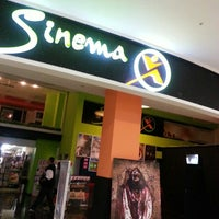 Photo taken at Sinemax Sinemaları by Tuce U. on 9/21/2013