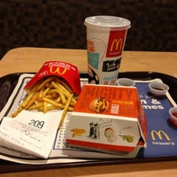 Photo taken at McDonald's by Ума К. on 8/3/2013