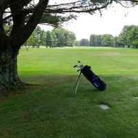 Photo taken at Oak Hills Park Golf Course by Felix G. on 8/6/2014