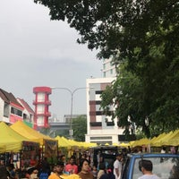 Photo taken at Bazar Taman Tun Dr Ismail by Muhd S. on 5/29/2018