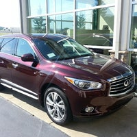 Photo taken at Infiniti Chattanooga by Stephon J. on 7/17/2013