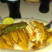 Photo taken at Enchiladas Rossy by Edgar V. on 2/2/2014