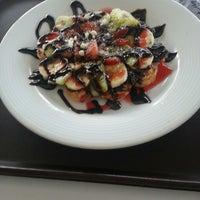 รูปภาพถ่ายที่ Waffle & Gozleme Evi โดย Hulya G. เมื่อ 2/7/2014