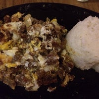Photo taken at Sizzlers by Mea x. on 1/30/2014