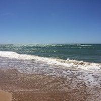 Foto tirada no(a) Praia da Garça Torta por Antonio Marcilio A. em 3/23/2014