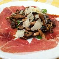 Photo taken at Pizzeria Limoncello by Palarp P. on 10/20/2012